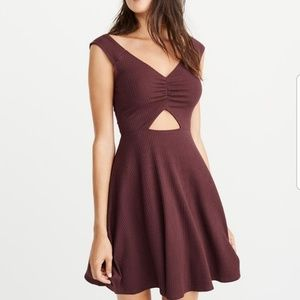 Abercrombie & Fitch Off-The-Shoulder Dress 👗🎀🎶